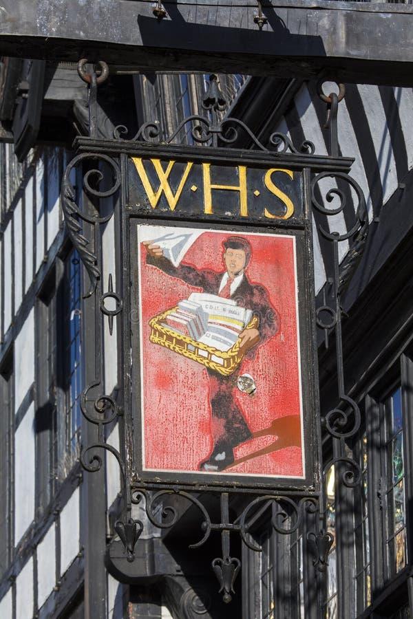 Εκλεκτής ποιότητας σημάδι καταστημάτων WH Smiths στοκ φωτογραφίες