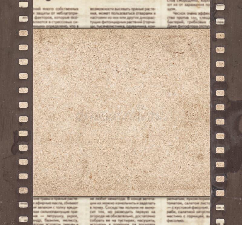 Εκλεκτής ποιότητας υπόβαθρο με το αναδρομικό έγγραφο, την εφημερίδα και το παλαιό stri ταινιών στοκ εικόνες