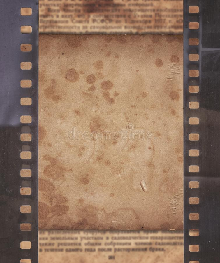 Εκλεκτής ποιότητας υπόβαθρο με το αναδρομικό έγγραφο, την εφημερίδα και το παλαιό stri ταινιών ελεύθερη απεικόνιση δικαιώματος