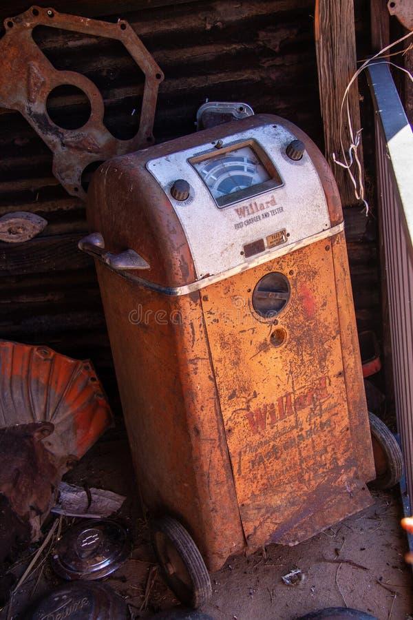Εκλεκτής ποιότητας φορτιστής και ελεγκτής μπαταριών Millard γρήγοροι στοκ εικόνες
