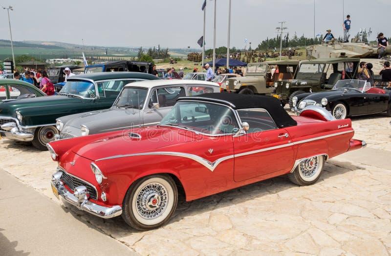 Εκλεκτής ποιότητας Chevrolet Bel Air (1957) που παρουσιάζεται στο αυτοκίνητο oldtimer παρουσιάζει στοκ εικόνες
