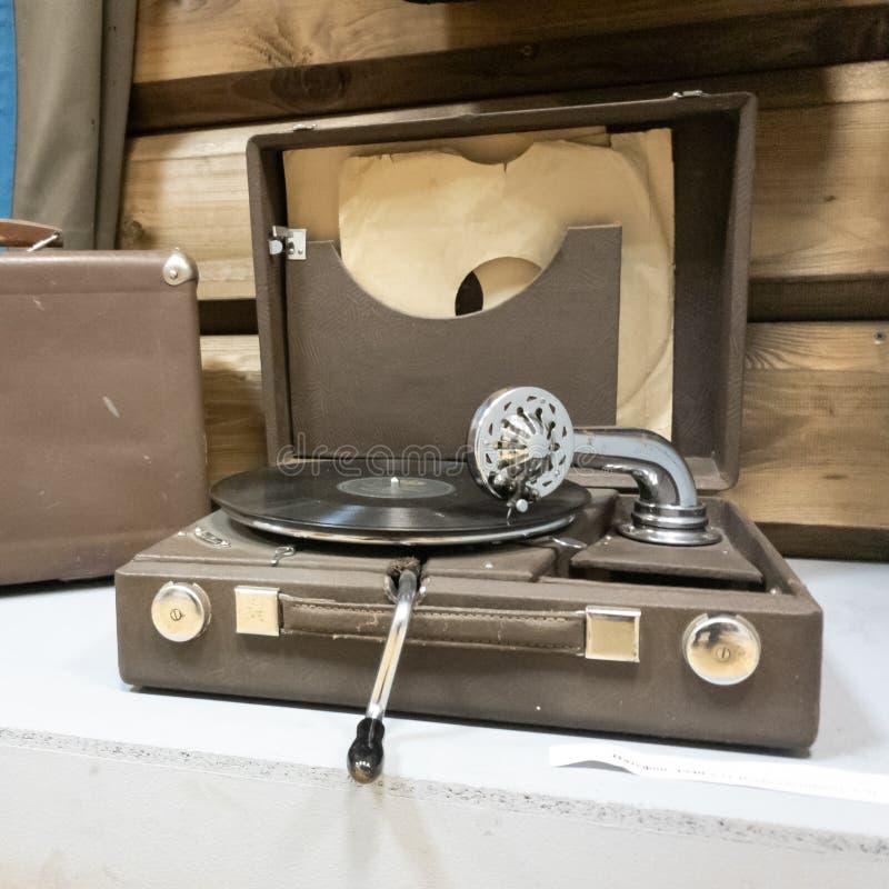 Εκλεκτής ποιότητας gramophone στενός επάνω Εκλεκτής ποιότητας κινηματογράφηση σε πρώτο πλάνο φορέων στοκ εικόνα με δικαίωμα ελεύθερης χρήσης