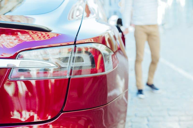 Εκλεκτική εστίαση ενός οπίσθιου φαναριού αυτοκινήτων στοκ φωτογραφία με δικαίωμα ελεύθερης χρήσης