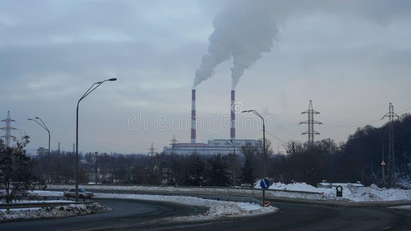 Εκπομπές εγκαταστάσεων παραγωγής ενέργειας στοκ φωτογραφία με δικαίωμα ελεύθερης χρήσης
