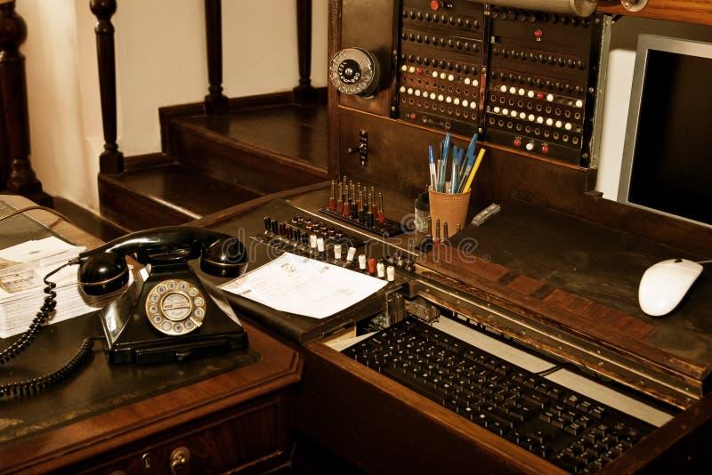 Εκσυγχρονισμένο τηλεφωνικό κέντρο στοκ εικόνες