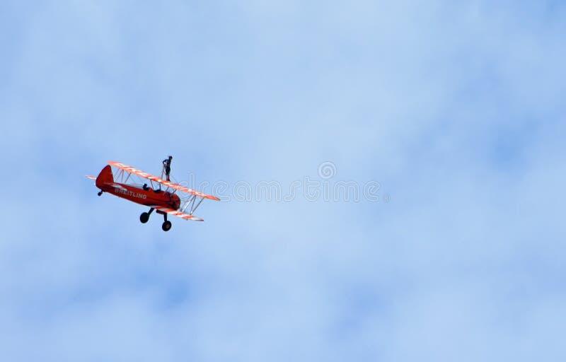 Εκτέλεση περιπατητών φτερών Aerosuperbatics στοκ φωτογραφία με δικαίωμα ελεύθερης χρήσης