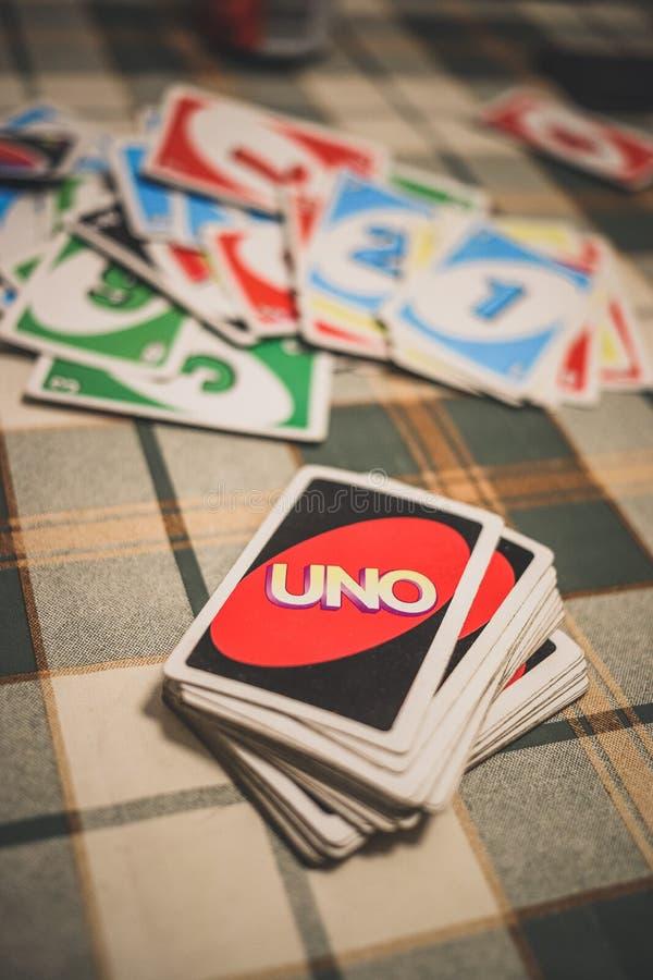 Εκτίναξη καρτών ΟΗΕ στον πίνακα στη μέση του παιχνιδιού στοκ φωτογραφία