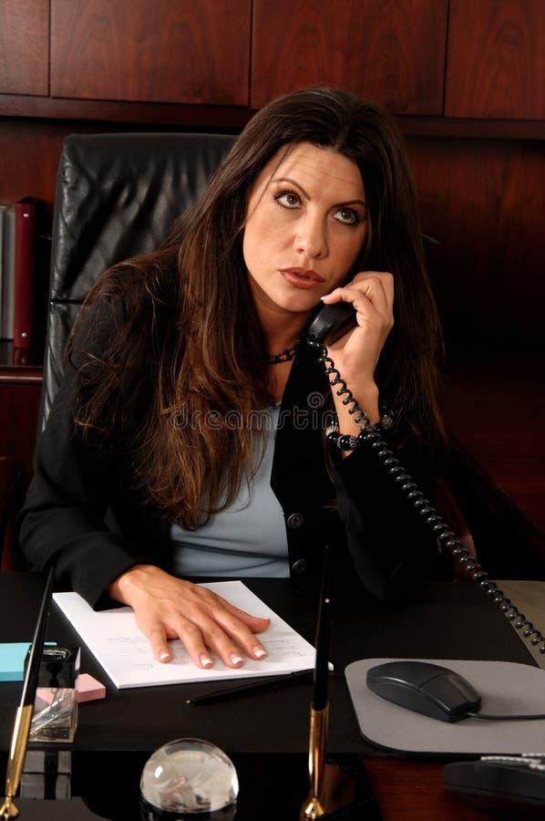 εκτελεστικό θηλυκό τηλ στοκ φωτογραφία με δικαίωμα ελεύθερης χρήσης