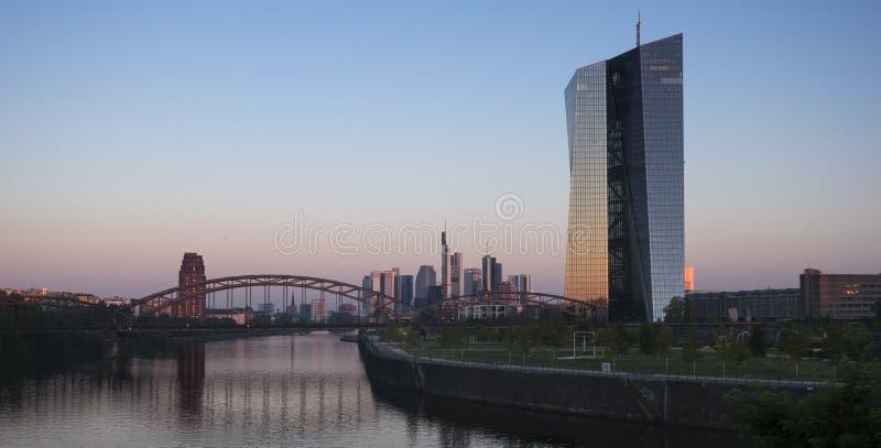 ΕΚΤ, Ευρωπαϊκή Κεντρική Τράπεζα, κεντρικός αγωγός ποταμών Φρανκφούρτη στοκ εικόνα με δικαίωμα ελεύθερης χρήσης