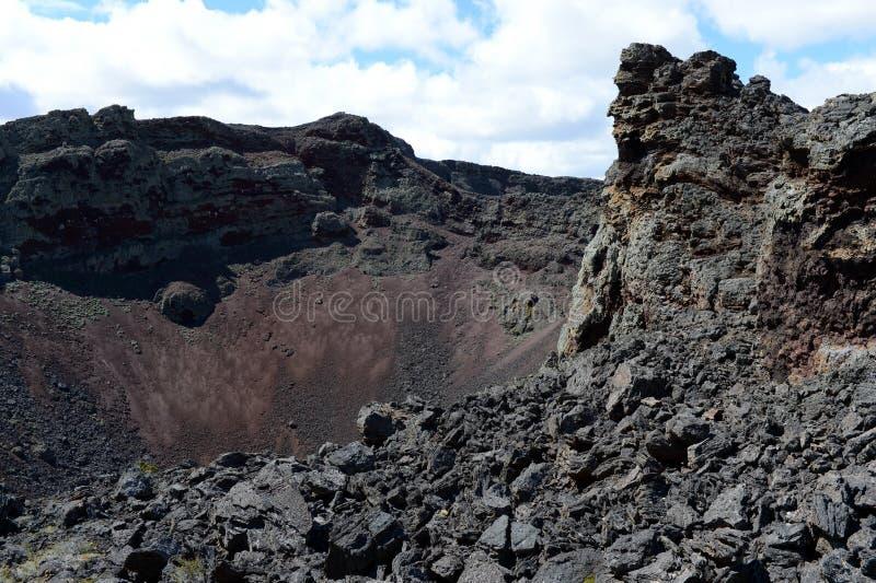 Εκλείψας ηφαίστειο στο εθνικό πάρκο Pali Aike στο νότο της Χιλής στοκ εικόνα με δικαίωμα ελεύθερης χρήσης