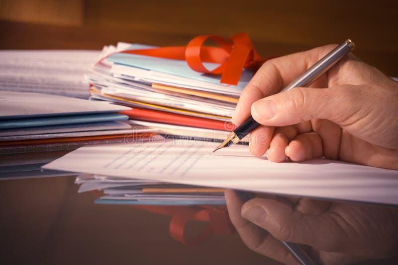 Εκλεκτής ποιότητας ή αναδρομικό χέρι ύφους με τις επιστολές γραψίματος μανδρών πηγών στοκ εικόνα