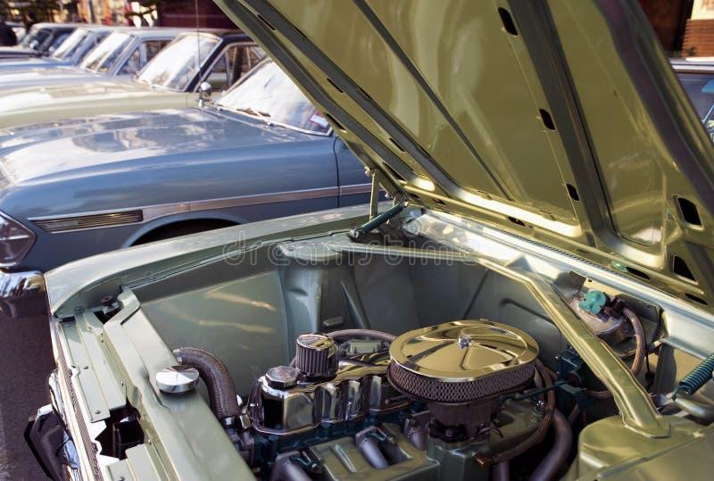 Εκλεκτής ποιότητας αυτοκίνητα που παρατάσσονται σε μια σειρά στοκ φωτογραφία με δικαίωμα ελεύθερης χρήσης