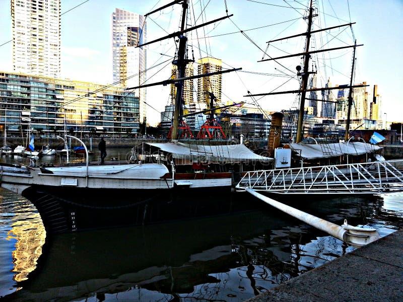 Εκλεκτής ποιότητας βάρκα στοκ φωτογραφίες