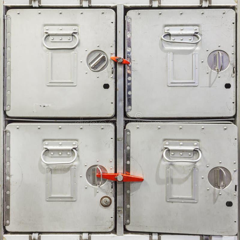 Εκλεκτής ποιότητας εμπορευματοκιβώτια φορτίου αεροπλάνων στοκ φωτογραφία με δικαίωμα ελεύθερης χρήσης