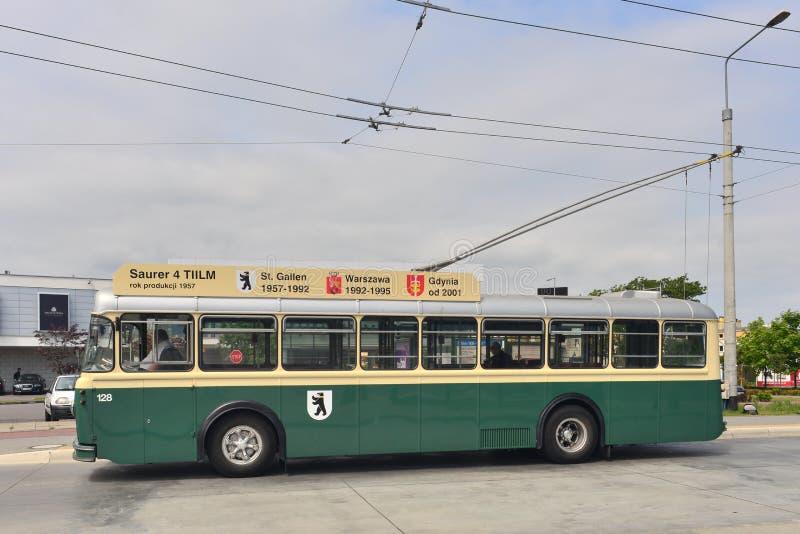 Εκλεκτής ποιότητας ελβετικό λεωφορείο καροτσακιών Saurer στοκ εικόνες