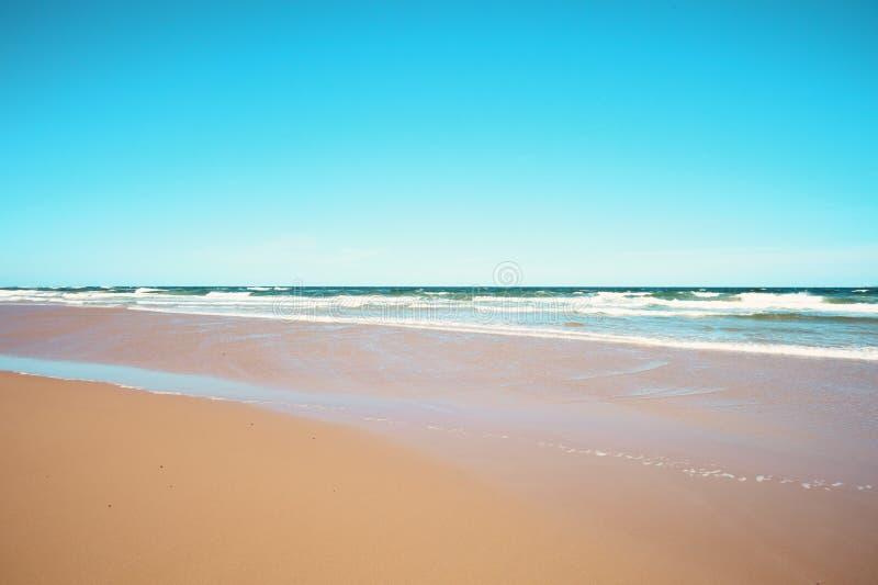 Εκλεκτής ποιότητας θερινή παραλία στοκ φωτογραφίες