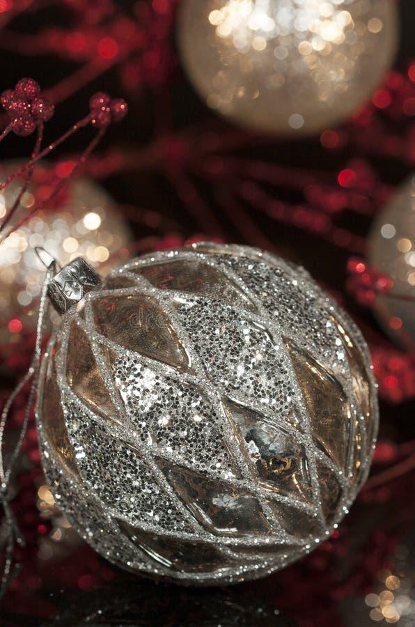 Εκλεκτής ποιότητας διακόσμηση 2 Χριστουγέννων υδραργύρου ασημένια στοκ φωτογραφία με δικαίωμα ελεύθερης χρήσης