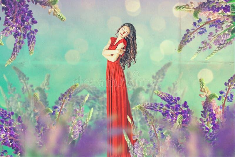 Εκλεκτής ποιότητας κολάζ τέχνης με την όμορφη γυναίκα ελεύθερη απεικόνιση δικαιώματος