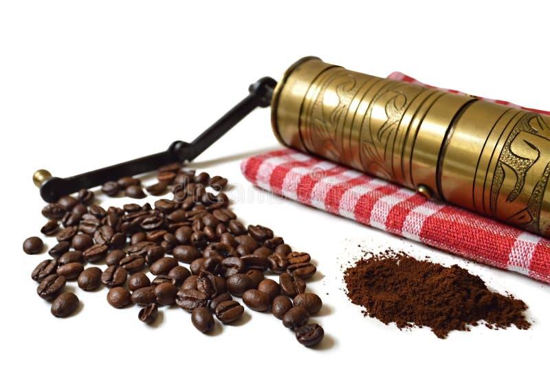 Εκλεκτής ποιότητας μύλος, φασόλια καφέ και επίγειος καφές στοκ εικόνα με δικαίωμα ελεύθερης χρήσης