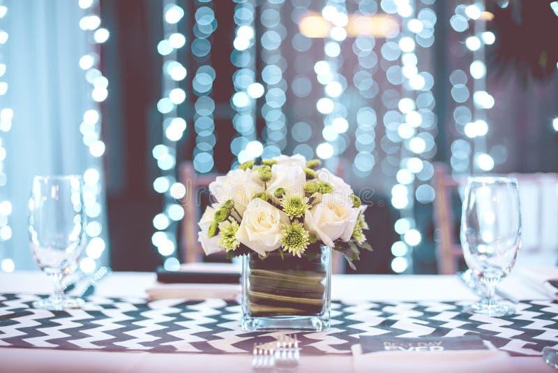 Εκλεκτής ποιότητας πίνακας που θέτει για μια δεξίωση γάμου ή ένα γεγονός στοκ εικόνες