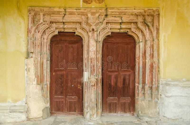 Εκλεκτής ποιότητας πόρτα εκκλησιών στοκ εικόνες