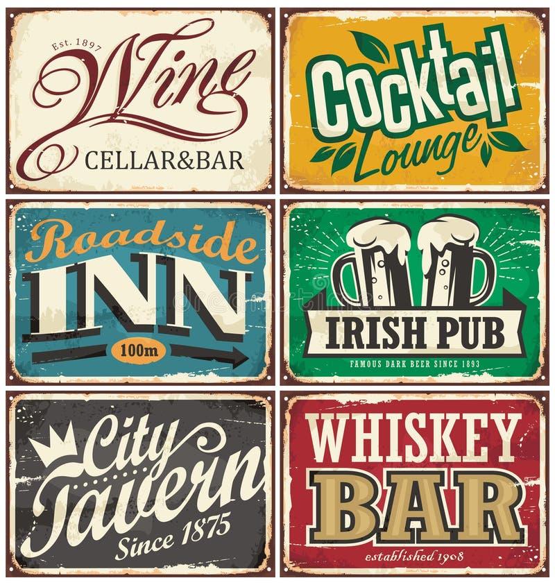 Εκλεκτής ποιότητας συλλογή σημαδιών κασσίτερου με τα διάφορα ποτά και τα θέματα ποτών ελεύθερη απεικόνιση δικαιώματος