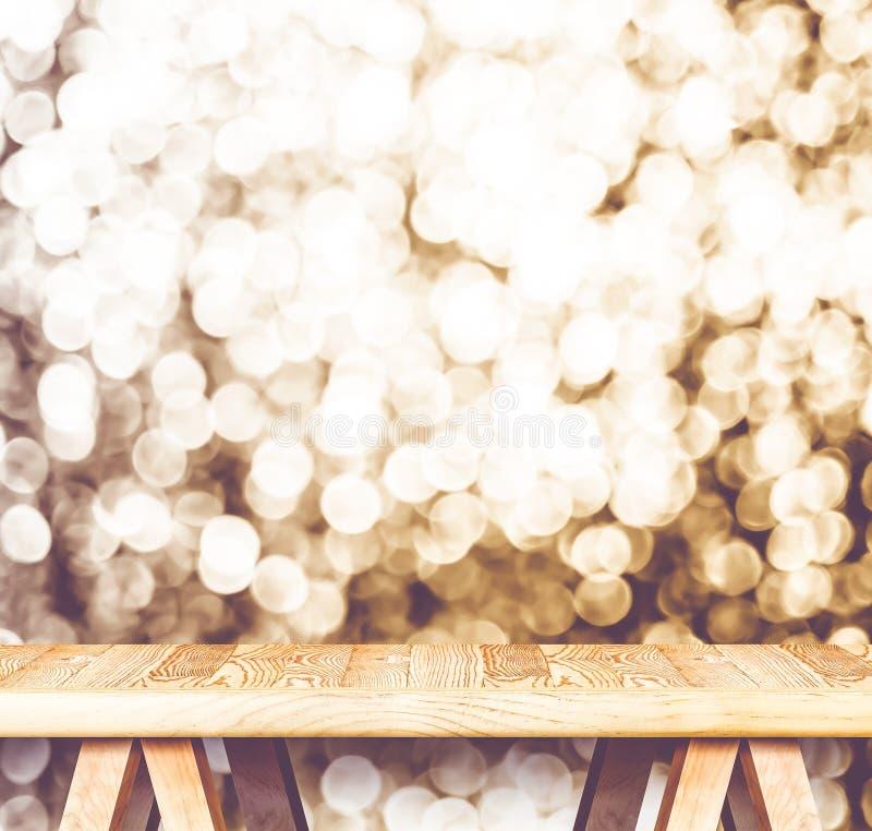 Εκλεκτής ποιότητας φίλτρο: Κενός ξύλινος πίνακας προοπτικής με το σπινθήρισμα β στοκ εικόνες