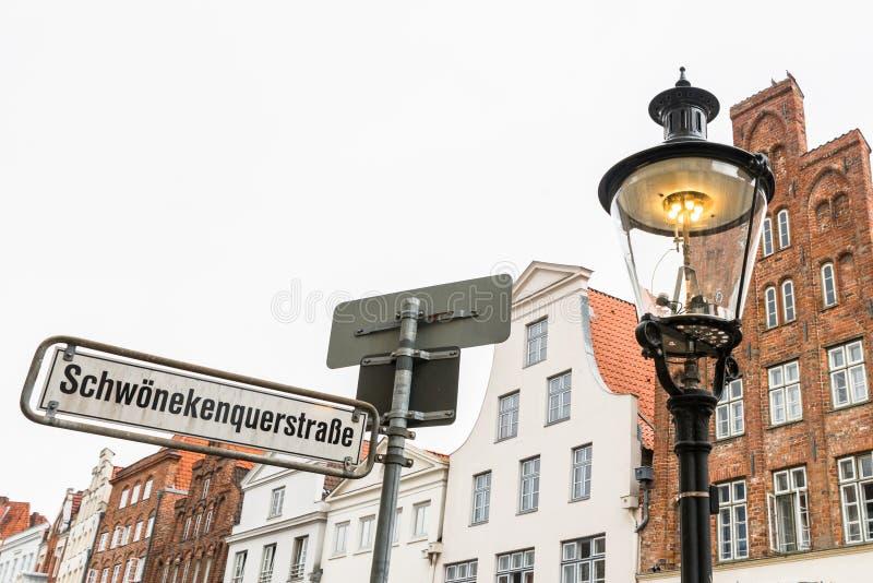 Εκλεκτής ποιότητας φωτεινός σηματοδότης αερίου σε Luebeck, Γερμανία στοκ φωτογραφία