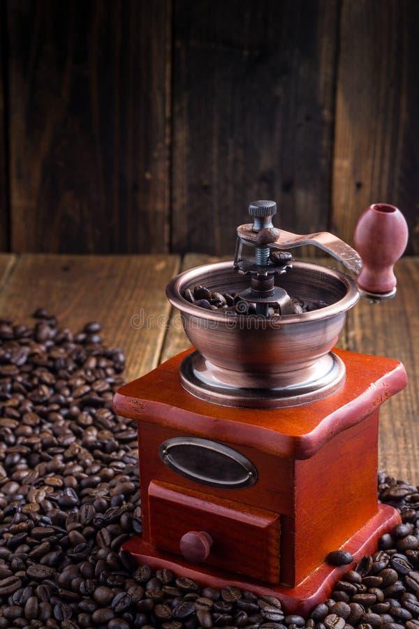 Εκλεκτής ποιότητας χειρωνακτικός μύλος καφέ στοκ φωτογραφία με δικαίωμα ελεύθερης χρήσης