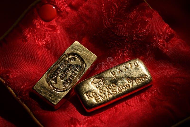 Εκλεκτής ποιότητας χρυσοί φραγμοί στοκ φωτογραφία