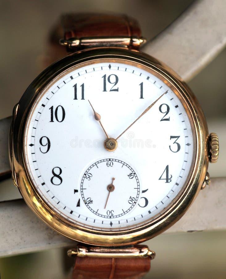 Εκλεκτής ποιότητας χρυσός wristwatch στοκ εικόνες με δικαίωμα ελεύθερης χρήσης