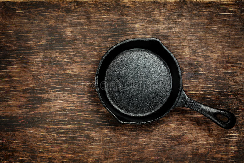 Εκλεκτής ποιότητας skillet χυτοσιδήρου στοκ εικόνες
