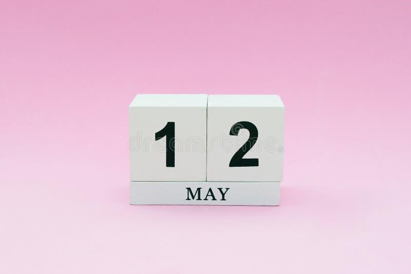 Ελάχιστη ευχετήρια κάρτα ύφους για να γιορτάσει την ημέρα της μητέρας στοκ εικόνες με δικαίωμα ελεύθερης χρήσης