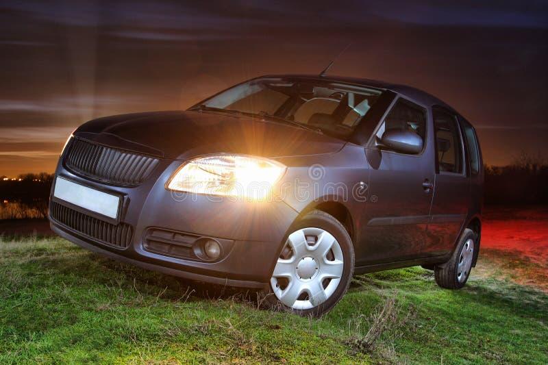 ελαφριά νύχτα αυτοκινήτων στοκ εικόνα με δικαίωμα ελεύθερης χρήσης
