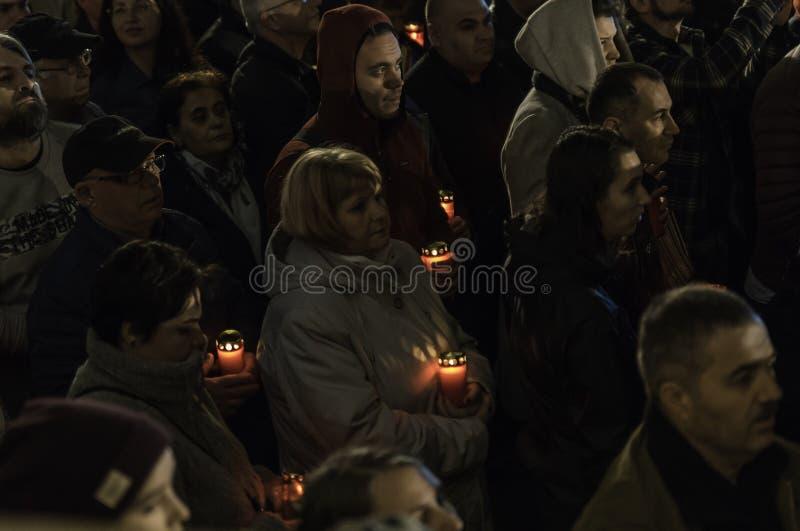 Ελαφριά πομπή Πάσχας στον πατριαρχικό καθεδρικό ναό του Βουκουρεστι'ου στοκ φωτογραφίες