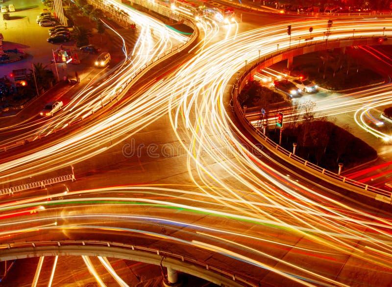 Download ελαφρύ overpass ίχνος στοκ εικόνα. εικόνα από σύγχρονος - 22778279