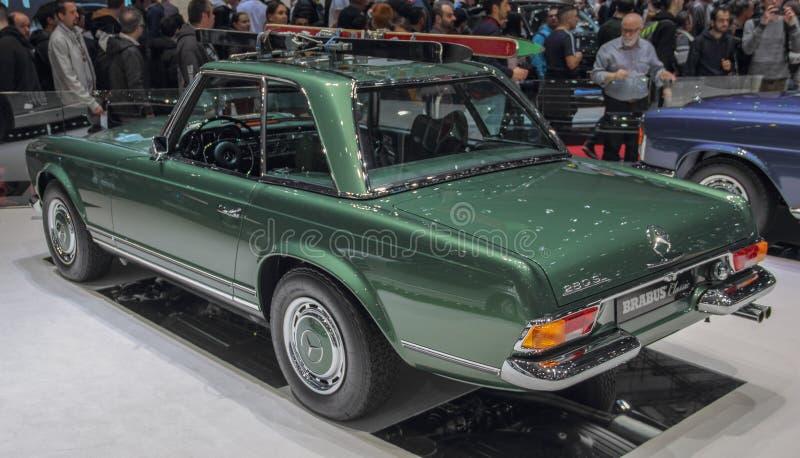 Ελβετία  Γενεύη  Στις 9 Μαρτίου 2019  Κλασικός Brabus, Mercedes-Benz 280 παγόδα SL  Η 89η διεθνής έκθεση αυτοκινήτου στη Γενεύη α στοκ φωτογραφίες