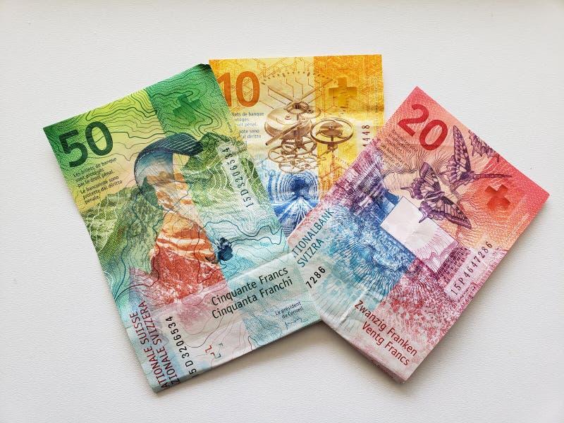 ελβετικά τραπεζογραμμάτια των διαφορετικών μετονομασιών και του άσπρου υποβάθρου στοκ εικόνα με δικαίωμα ελεύθερης χρήσης