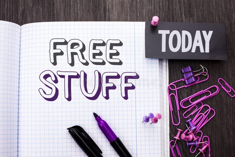 Ελεύθερη ουσία κειμένων γραφής Έννοια που σημαίνει συμπληρωματικός απλήρωτο Chargeless δαπανών ανέξοδο δωρεάν που γράφεται χωρίς  στοκ εικόνες με δικαίωμα ελεύθερης χρήσης