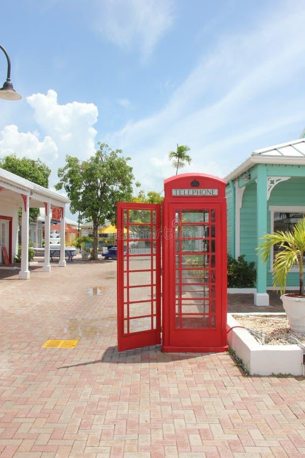 Ελεύθερος λιμένας Μπαχάμες τηλεφωνικών θαλάμων βρετανικός-ύφους στοκ φωτογραφία με δικαίωμα ελεύθερης χρήσης