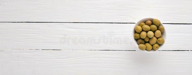 Ελιές σε ένα κύπελλο στοκ φωτογραφία με δικαίωμα ελεύθερης χρήσης