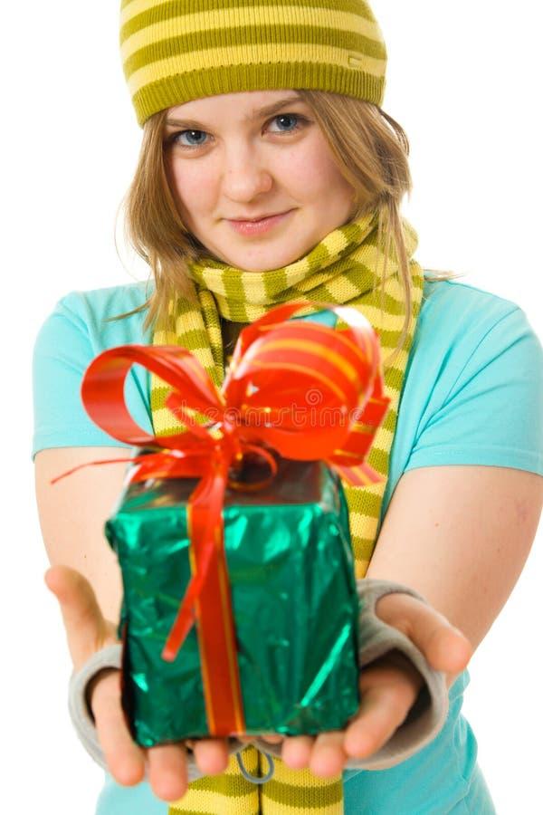 ελκυστικές νεολαίες κοριτσιών δώρων στοκ φωτογραφίες