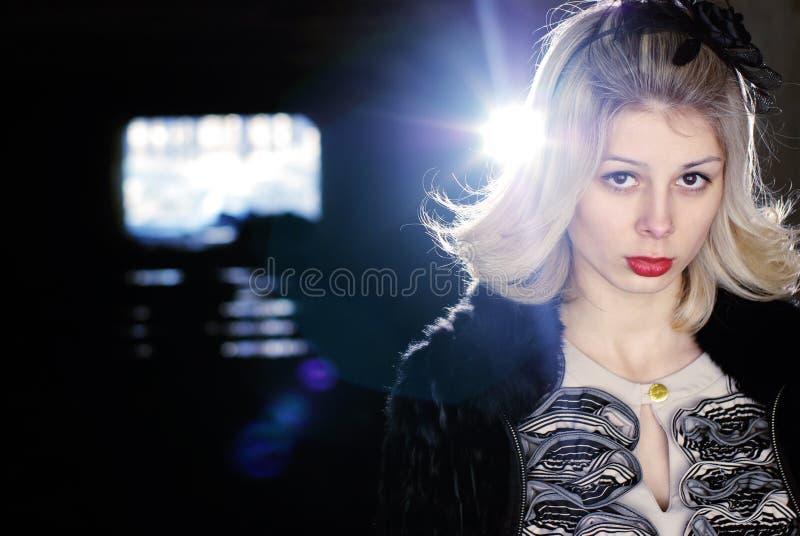 ελκυστικές νεολαίες φωτογραφιών μόδας πρότυπες στοκ εικόνες με δικαίωμα ελεύθερης χρήσης