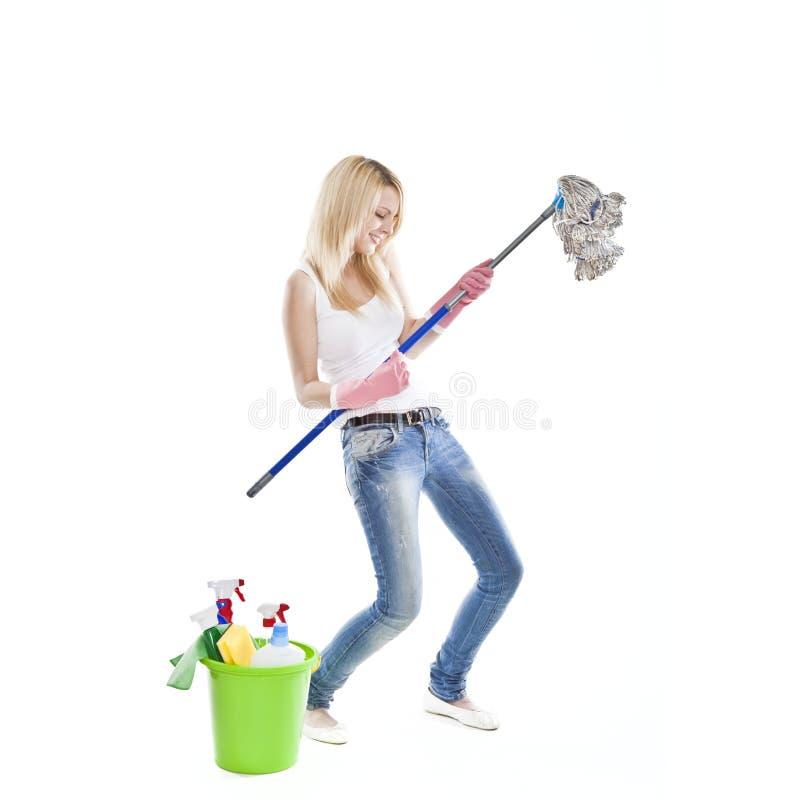 ελκυστικές ξανθές housecleaning νε&om στοκ φωτογραφία με δικαίωμα ελεύθερης χρήσης