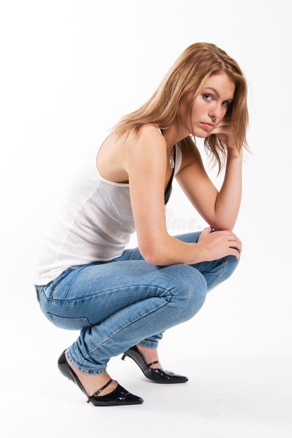 Ελκυστική νέα γυναίκα στοκ εικόνα με δικαίωμα ελεύθερης χρήσης
