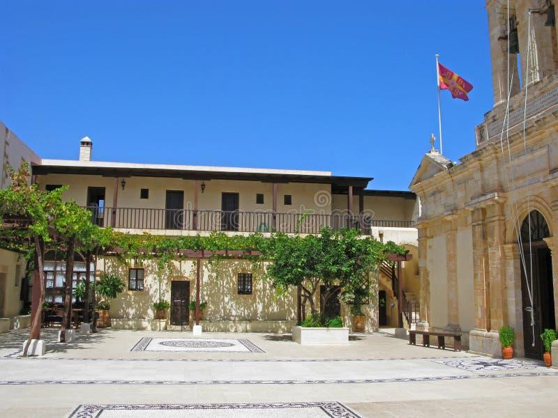 Ελλάδα, Κρήτη, προαύλιο του μοναστηριού Odigitria Gonia στοκ φωτογραφίες με δικαίωμα ελεύθερης χρήσης