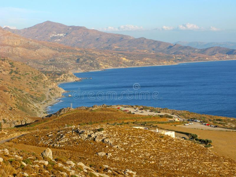 Ελλάδα, νότια Κρήτη, βουνά και θάλασσα, πανοραμική άποψη στοκ εικόνες