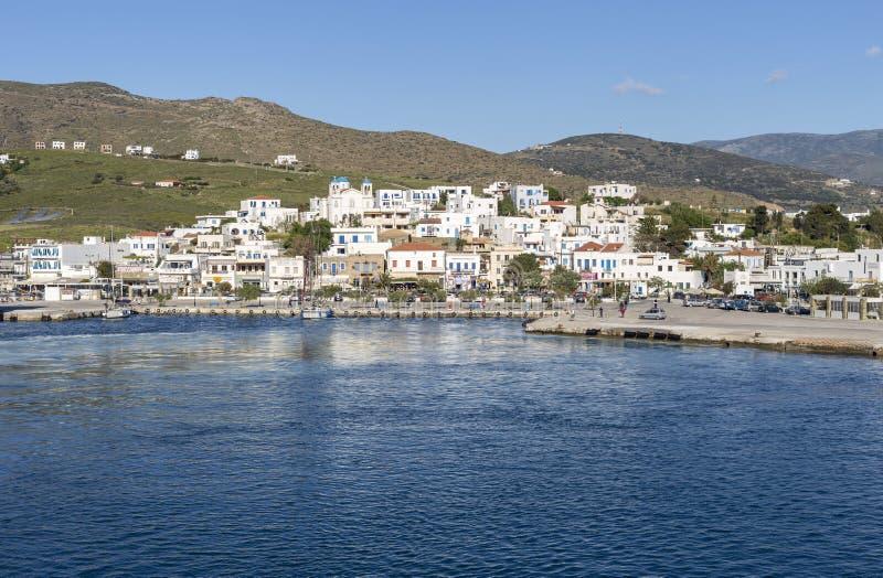 Ελληνικά νησιά Άποψη του λιμένα του νησιού Gavrio Άνδρος, Κυκλάδες, Ελλάδα στοκ φωτογραφία με δικαίωμα ελεύθερης χρήσης
