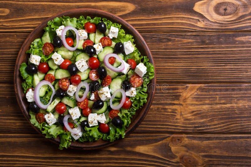 Ελληνική σαλάτα φρέσκων λαχανικών στοκ εικόνα με δικαίωμα ελεύθερης χρήσης