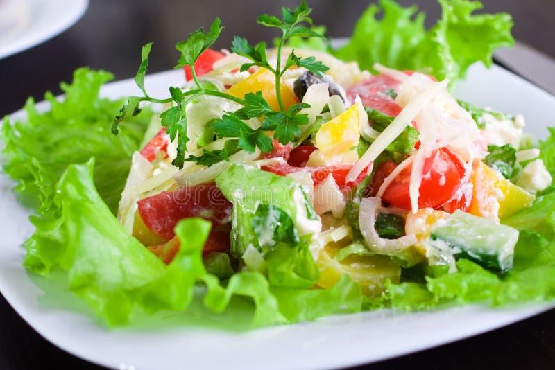 Download ελληνική σαλάτα στοκ εικόνες. εικόνα από menu, απολαύστε - 13175098